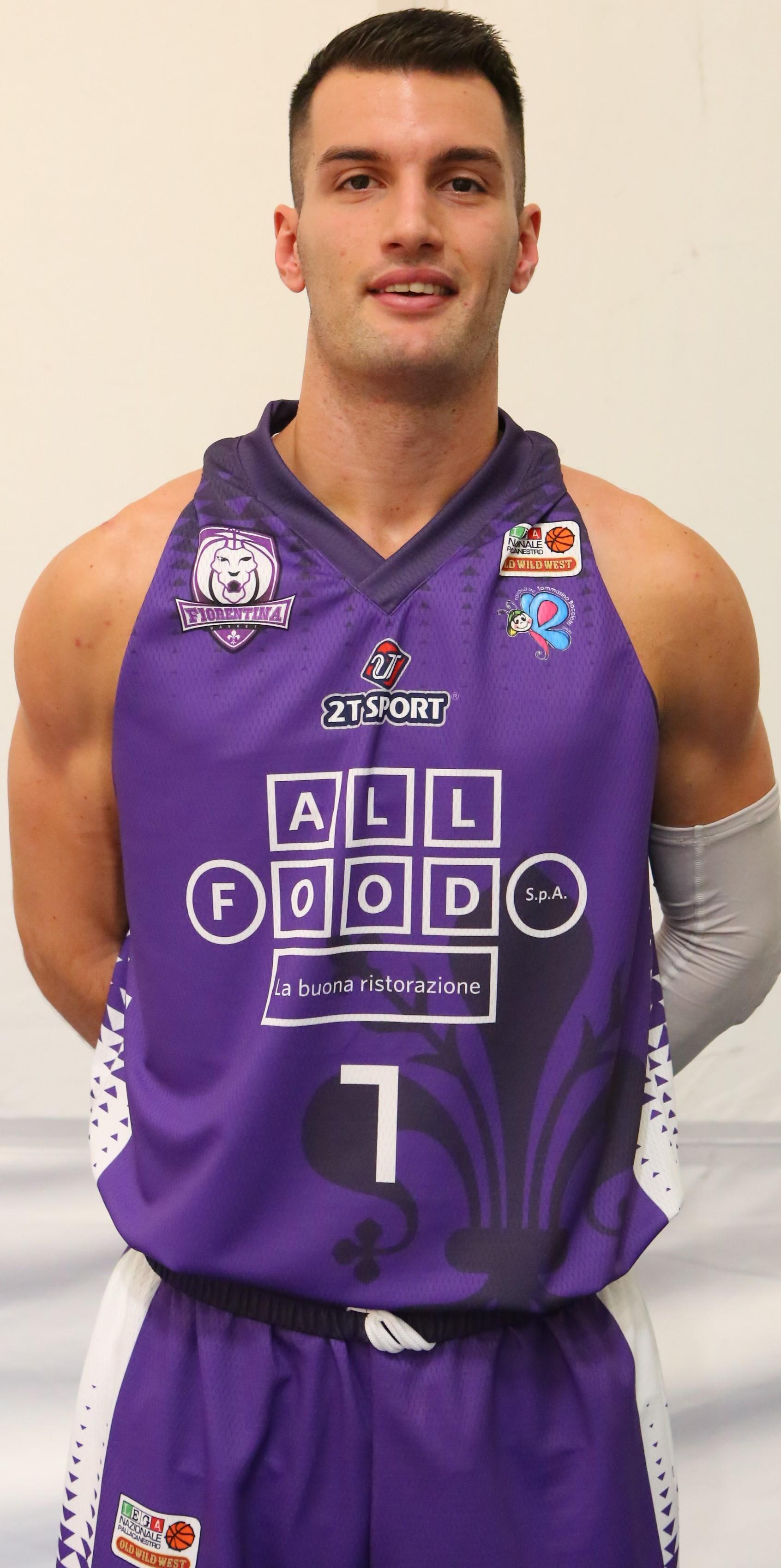 Il Porto Sant'Elpidio Basket firma Nicola Bastone